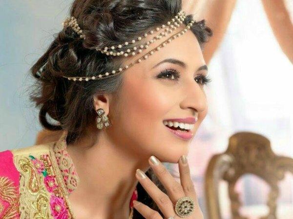 Ah! Finally Divyanka Tripathi Gets Back Her Lost Expensive Jewellery!