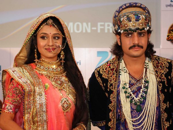 Jodha Akbar Might End: Fans React On Twitter