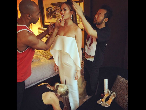 Chrissy Teigen Suffers Wardrobe Malfunction at CFDA, Shares The Pic!