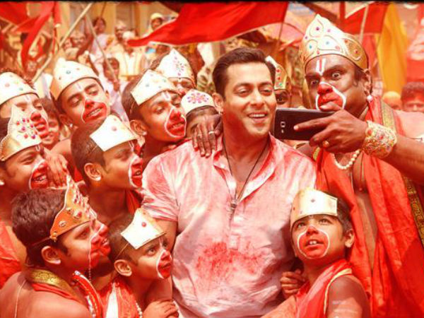 Selfie Le Le Re: Bajrangi Bhaijaan's First Song Starring Salman Khan Is Out