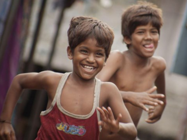 <strong>Kaaka Muttai Movie Review: A Rare And Near Flawless Film </strong>
