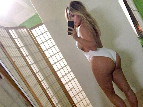 Kylie Jenner Copies Kim Yet Again, Shares Booty Selfie