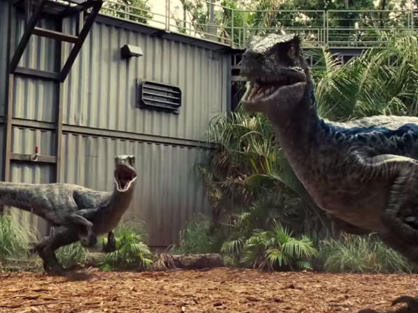 Jurassic World's New Trailer Hints It Is A Blockbuster!