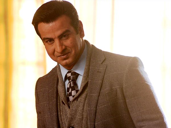 Here's Why Ronit Roy Is Banking Itna Karo Na Mujhe Pyaar Episodes!