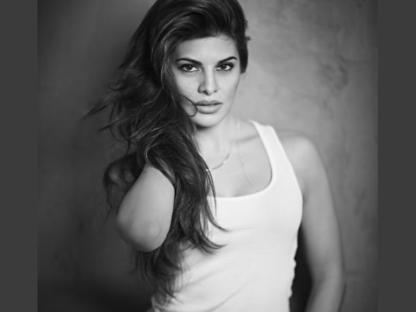 Jacqueline Fernandez To Buy House For Her Mother In Malaysia!
