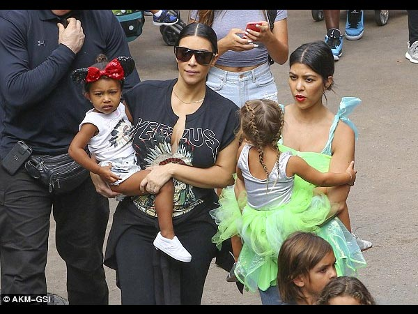 Kourtney Takes Penelope To Disneyland For 3rd Birthday With Kim & North West