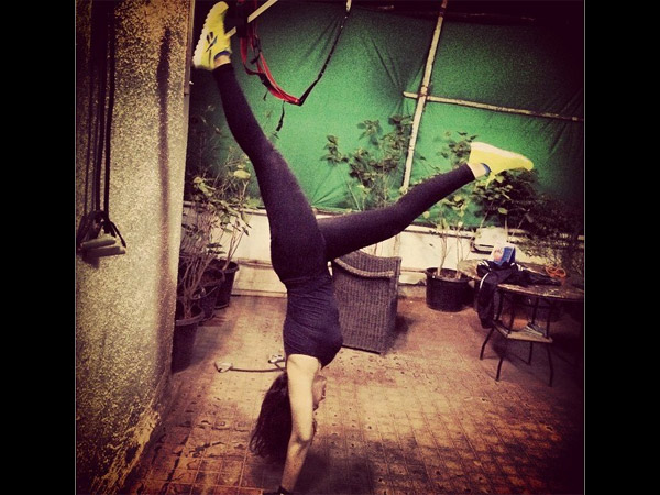 Sonakshi Trying To Do Head Stand