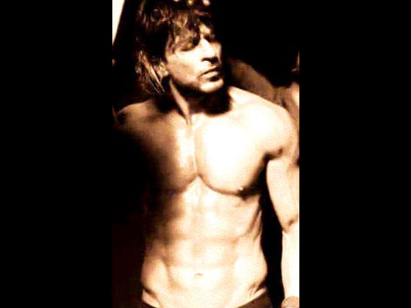 Shahrukh's Six Pack Look