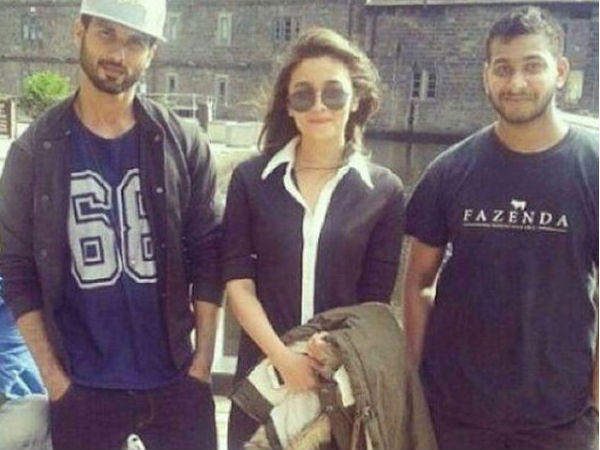 Shahid-Alia With Fan