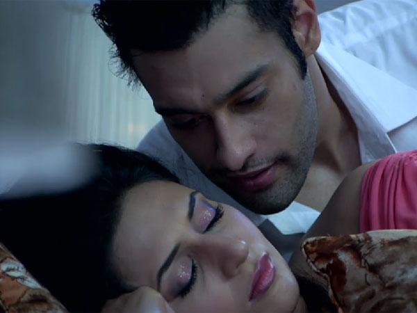 Ashok Got Close To Ishita