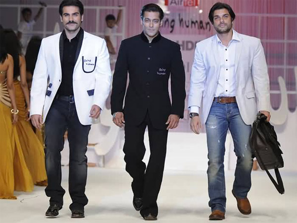 Salman With Brothers