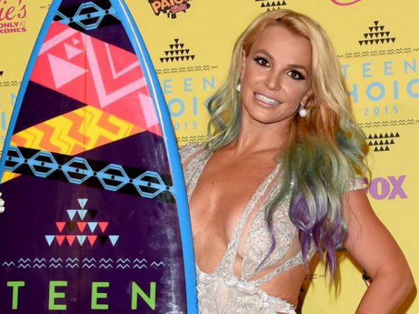Britney Spears Is The Style Icon At Teen Choice Awards 2015!