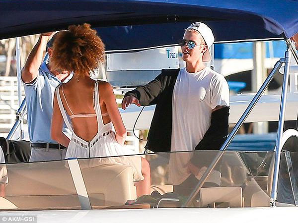 Justin Bieber Sails In Yacht With Bikini Clad Friends