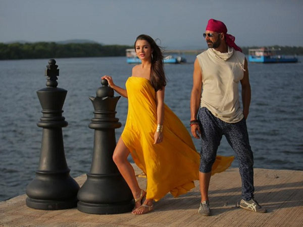 Still From Singh Is Bliing
