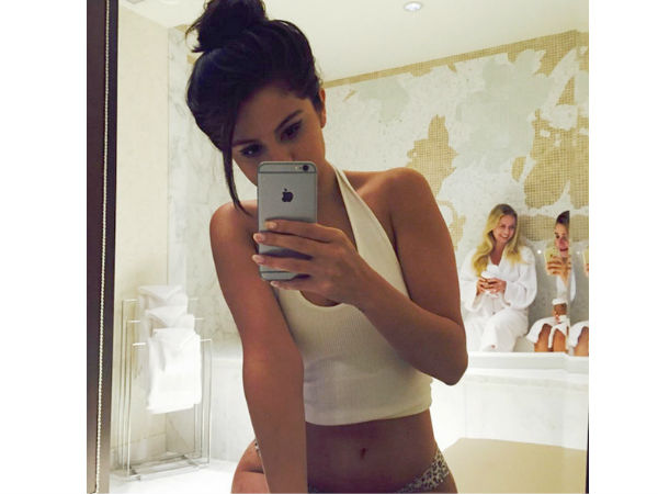 Selena Gomez Shares The Hottest Selfie Ever!