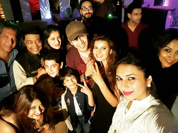 Divyanka With YHM Cast