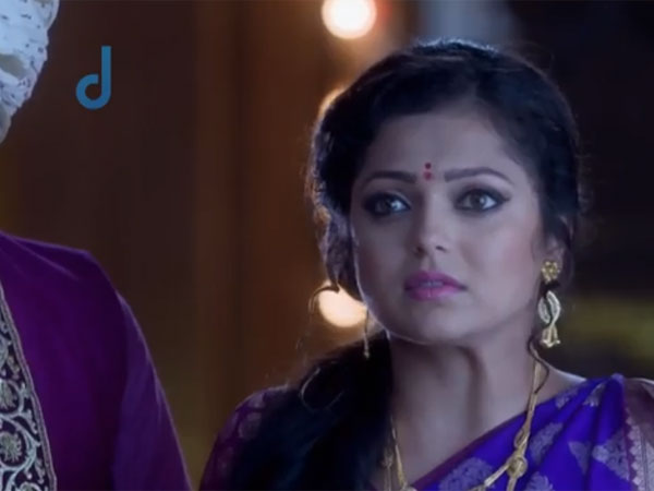 Gayatri Hurt And Worried