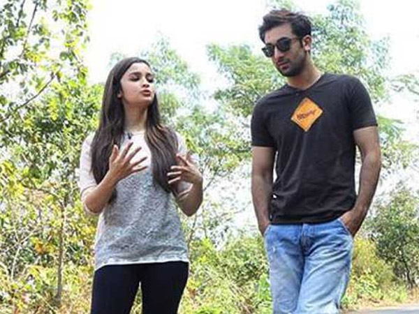 Alia-Ranbir Interacting With Each Other
