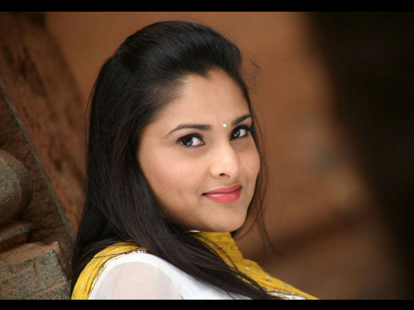 Sandalwood Queen Ramya To Enter Small Screen Through Dancing Star 3?