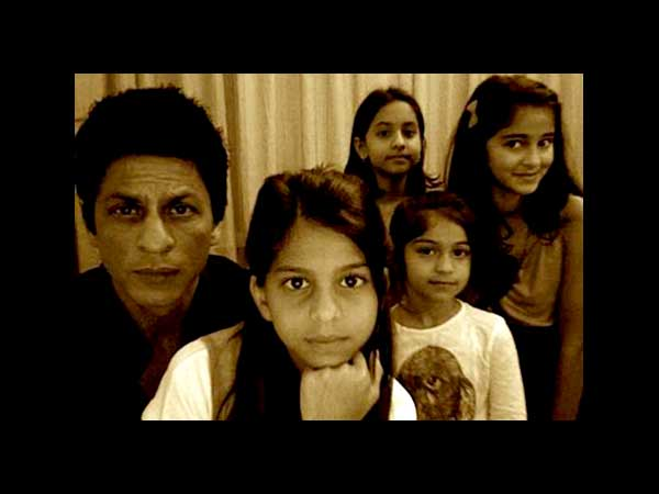 SRK-Suhana And Friends