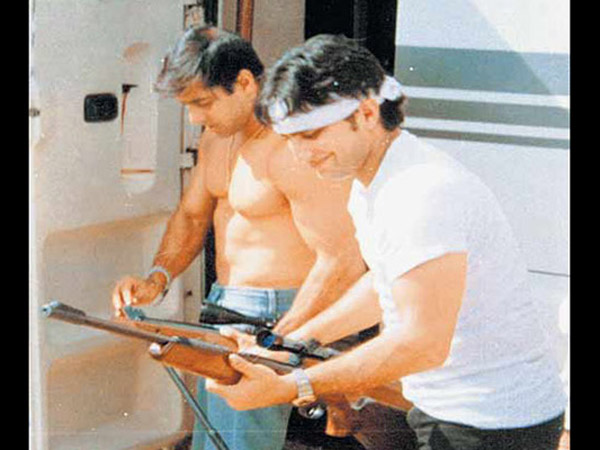 Salman-Saif With Guns