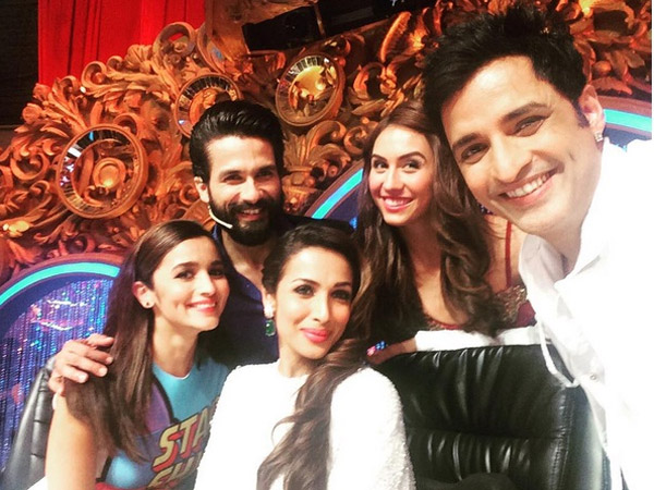 Selfie Time - Jhalat Judges With Alia