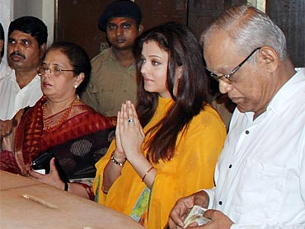 Aish With Her Parents