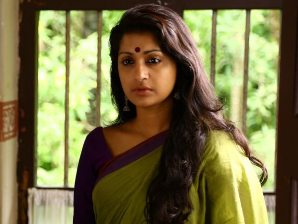 Oh No! Meera Jasmine Back In Trouble!