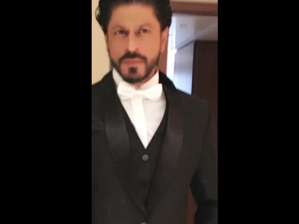 Shahrukh Tweeted This Picture