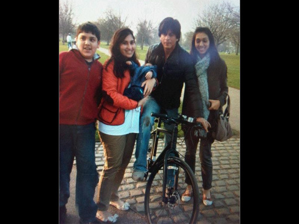 Shahrukh With Fans