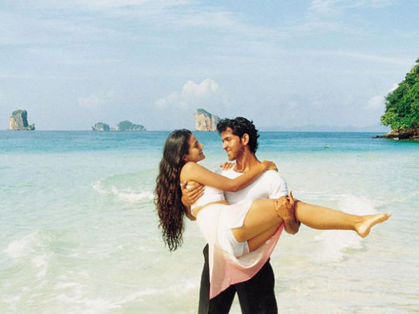 Hrithik Carrying Ameesha