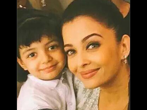 Aaradhya With Mother