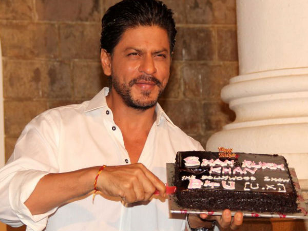 10 Pics Of Shahrukh Khan With His Birthday Cakes Filmibeat
