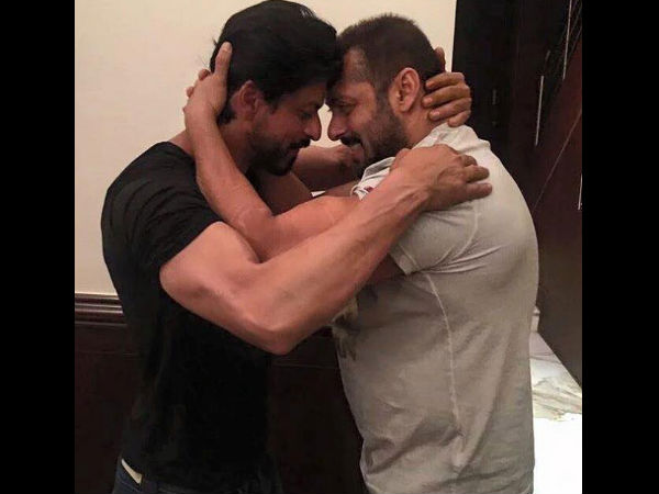 SRK Gets Birthday Hug From Salman