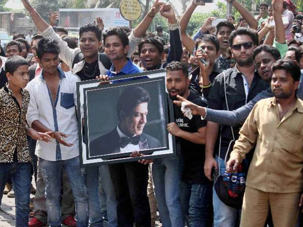 Shahrukh Khan Thanks Fans