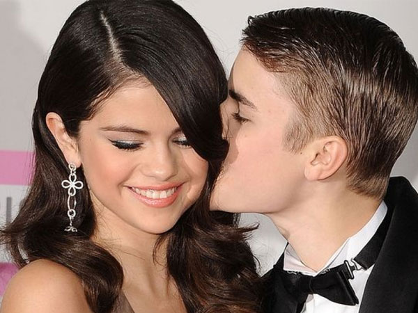 Justin Bieber Confesses His Feelings For Selena Gomez!