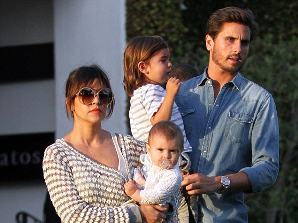 Whao! Scott Disick Slept With Khloe & Kylie?