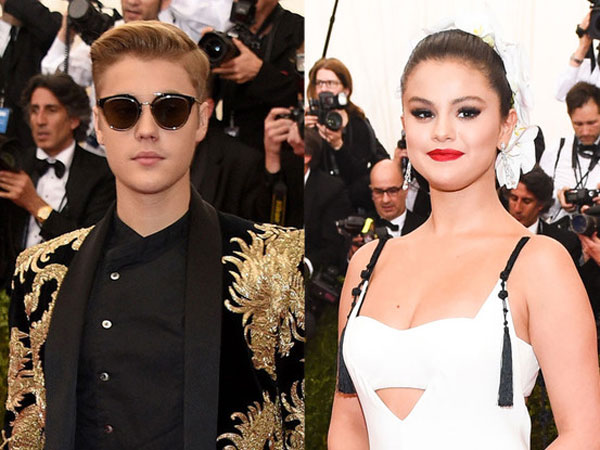 Selena Gomez & Justin Bieber Together At AMAs: Exes Patch Up?