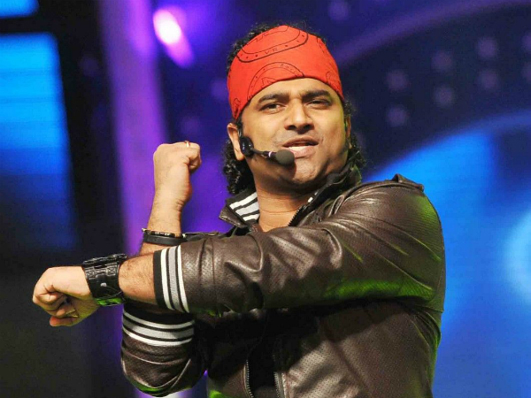 WHOA! Here is the news, Rockstar Devi Sri Prasad to turn hero and his good friends Sukumar to direct it. Read more.