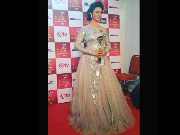 Divyanka Bagged, 'Most Dynamic Television Personality Of The Year' Award