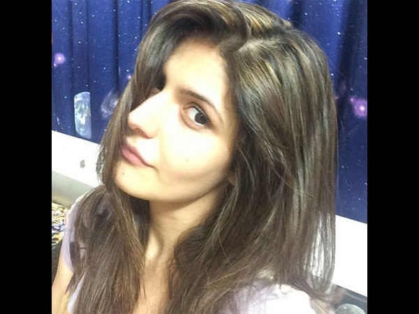 Without Make-up Waali Selfie'