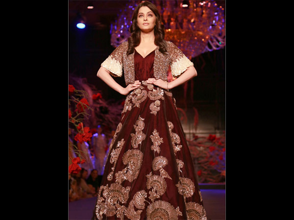Aishwarya At AICW 2015