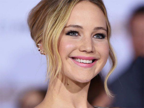 Jennifer Lawrence Wants To Be A Doctor & Make Movie On Acid!