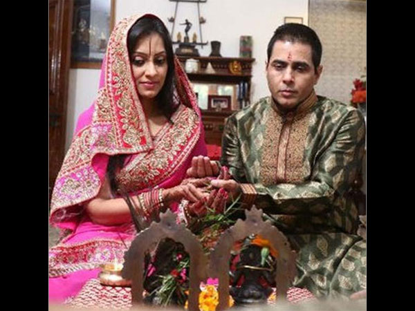 In Pic: Aman-Vandana Doing Pooja