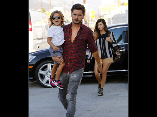 Really? Scott Disick Going To Spend Christmas With The Kardashians?