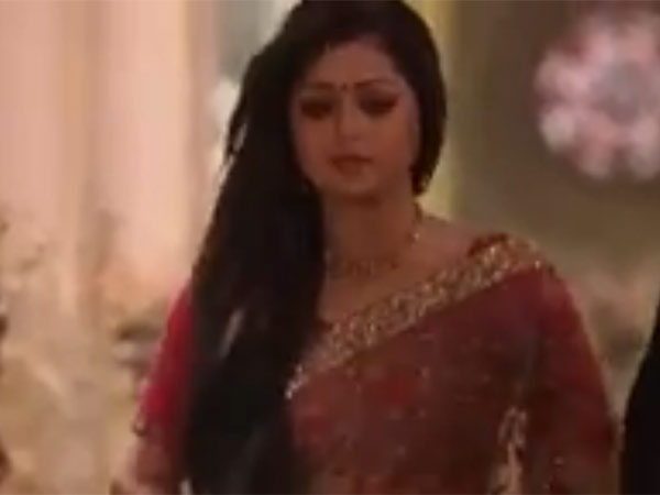 Gayatri Leaves Ameerkot