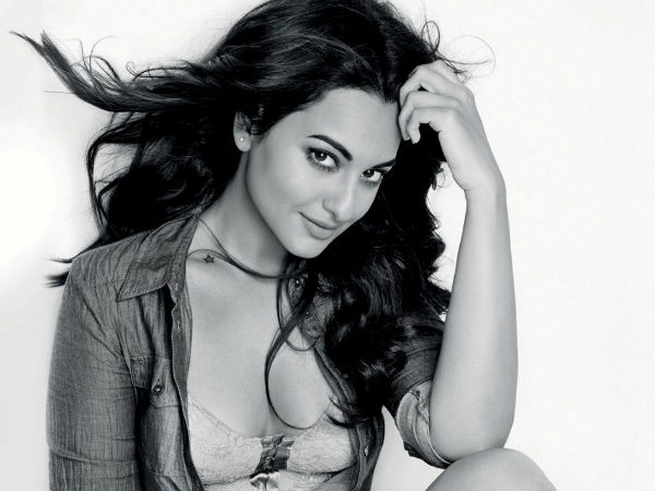 Sonakshi Sinha Takes Break From Twitter