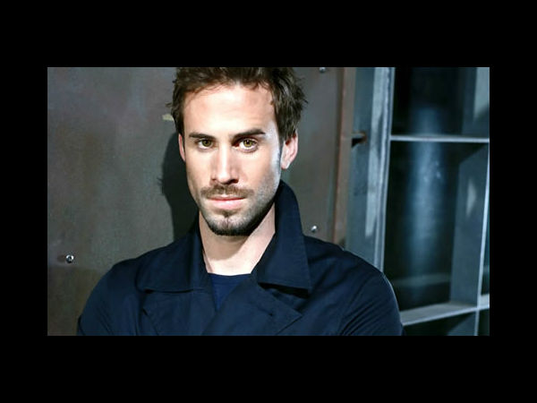 British Actor Joseph Fiennes To Play Michael Jackson In Road Trip Drama Movie!