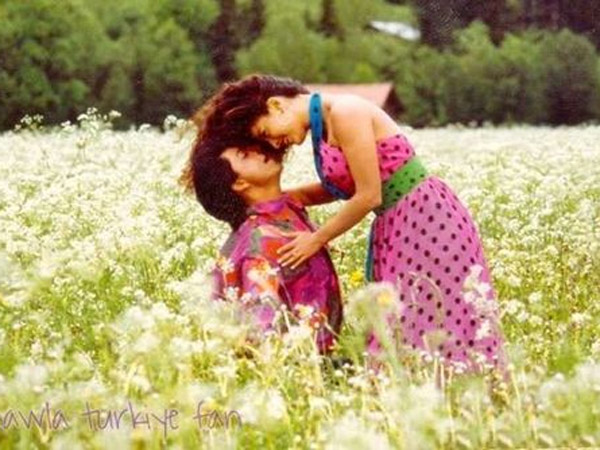 15 Flashback Pictures Of Shahrukh Khan & Juhi Chawla From The ...