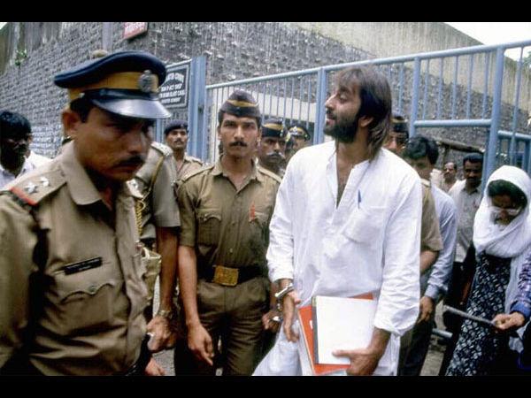 1993 Mumbai Bomb Blast Flashback Pics Of When Sanjay Dutt ...
